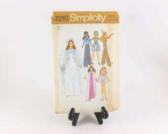 """Simplicity Sewing Pattern 7210 Uncut 11.5"""" Fashion Doll Clothes Barbie, Christie, PJ, Dusty"""