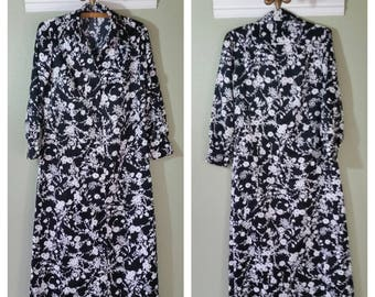 1970s Shirt/Coat Dress, Polyester, Black and White Floral, Hand Made, Size Medium/Large, #51537