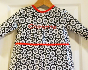 READY TO SHIP 4/5 Extra Long Girls Long Sleeved Art Smock Painting Shirt with Black and White Flowers