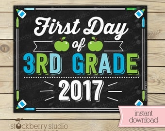 First Day of 3rd Grade Sign - Boy 1st Day of School Printable - First Day of School Sign - Photo Props - Chalkboard Sign - Instant Download