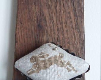 "primitive stitch leaping Bunny diamond  4"" mini tart tin balsam fir pin cushion pin keep"