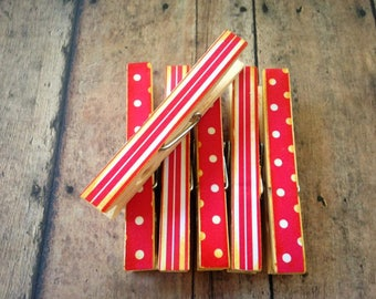 Set of 6 Christmas Clothespins, Christmas Clips, Christmas Card Holders, Teachers Gift, Wooden Clips, Altered Clothespins, Standard Size
