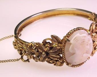 Lovely Vintage Victorian/Art Nouveau Style Shell Cameo & Goldtone Bracelet by Florenza