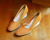 vintage Italian shoes / tan brown leather and jute wedge espadrilles / size 7.5