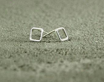 Silver Stud Earrings Square, Silver Earrings,Geometric Earrings,Urban Chic,trendy Earrings,stack earrings,silver jewelry,trendy jewelry