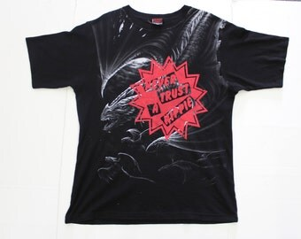 Never Trust A Hippie - Punk T-shirt - Hippy Star - Seditionaries Westwood - Grunge tee dragons -black- large XL