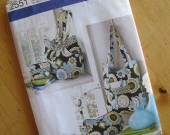 Uncut Simplicity Sewing Pattern 2551 - Bags
