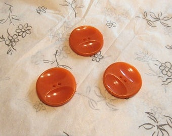 set of three butterscotch vintage bakelite buttons