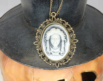 Cameo Necklace Victorian Madame Leota Disney Haunted Mansion Tombstone Bust Halloween Costume