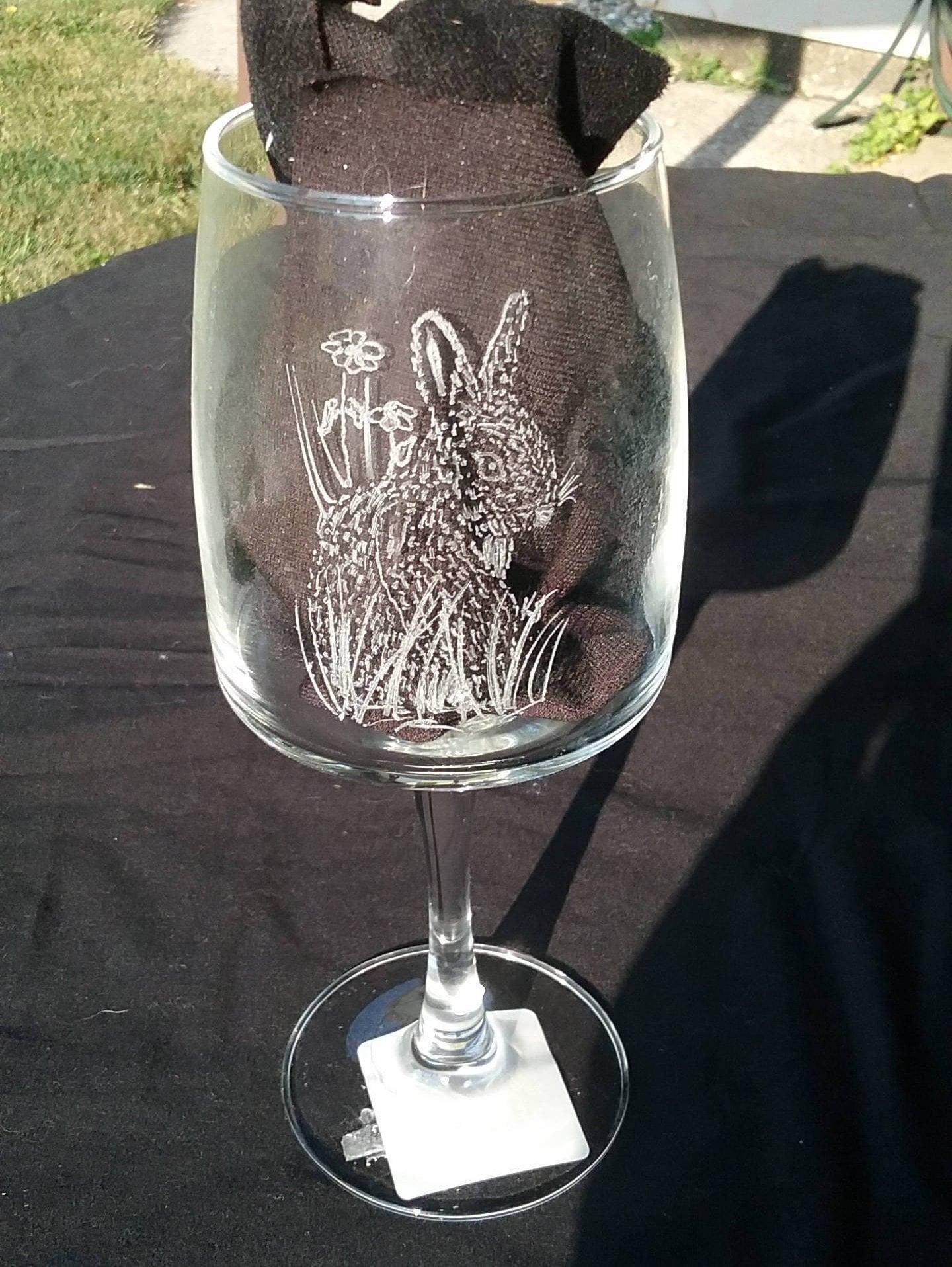 whimsical engraved bunny wine glass engraved rabbit on wine. Black Bedroom Furniture Sets. Home Design Ideas