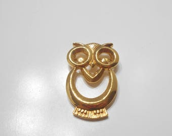 Vintage Gold Tone Wise Old Owl Brooch (7416)