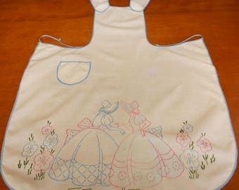 Vintage Full Apron Embroidered and Tinted Southern Belles on Cotton Muslin, Pink Blue Green Embroidery, Adult Fits Most Over the Head Style