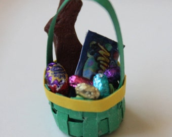 1/12th Scale Miniature Dollhouse Easter Basket (Green)