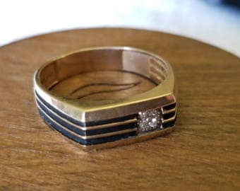 10K Gold Gents's Band with Diamond Accent and Antiquing Detail (st - 2026)