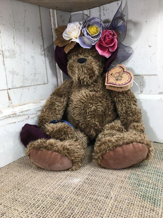 Heartfelt Collectibles Teddy Bear Madison designed by Shelly Winters, 1997 Heartfelt Collectible Bear, Teddy Bear collector, bear collector