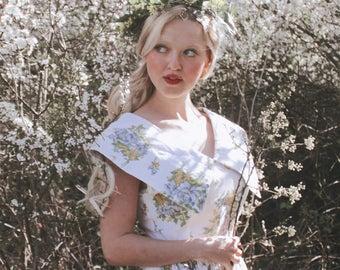 White patterns dress green yellow flowers, vintage 80's skater, boat neck, folk country folk romantic retro style