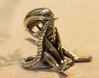 Bronze Xenomorph Alien Cute Figurine Fantasy Sculpture