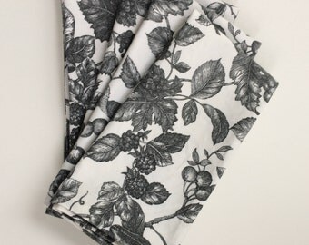 White and black napkins, fruit toile fabric napkins, waverly fruit pattern napkins, dinner napkins