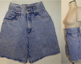 "1980s 90s ACID WASH High Waist Shorts / Walking shorts /  Vintage size 7 / 25"" W XS"