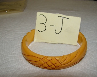 BB #3-J Carved Vintage Bakelite Bracelet