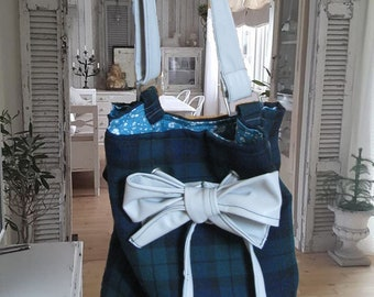"""Bucket bag, purse from the """"Teatime"""""""