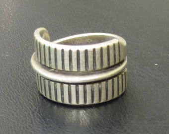 Mid Century 1950's Tone Vigeland Fredrikstad Sterling Silver Ring Size 7 3/4 - Free Shipping