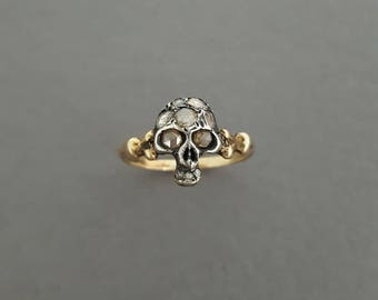 Antique Georgian / Victorian c. Early 1800's 10K Gold, Silver and Rose Cut Diamond Skull and Bones Ring - Memento Mori - Mourning Jewelry