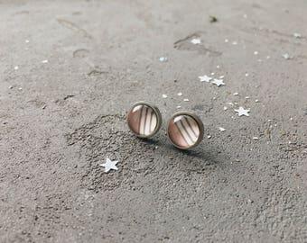 Pale pink stud earrings by CuteBirdie