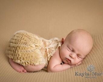 Newborn Girl Outfit, Newborn Photo Prop, Baby Girl Lace Outfit, Newborn Set, Lace Top & Ruffle Bloomers, Newborn Prop, Newborn Romper, 040
