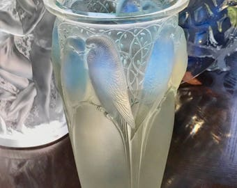 Authentic Signed R Lalique Ceylan Vase Opalescent Blue 1924 Model 905 Excellent Condition