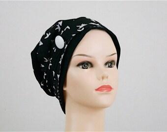bonnet jersey noir foulard en tissu noir imprimé oiseaux blanc réversible petits carreaux noirs et blancs-Bonnet chimiothérapie-Pièce unique