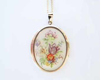 Flower Locket Necklace, Vintage Locket Necklace with Floral Pendant, Vintage Jewelry, Gift for Her