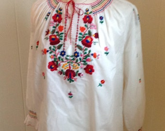 White Cotton Embroidered Blouse, Ethnic Embroidered Top, Vintage Festival Wear, European Floral Top