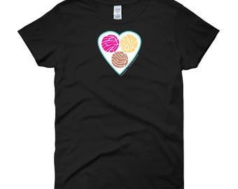 TRES PUNTOS de SABOR Pan Dulce Concha Women's short sleeve t-shirt