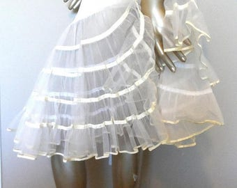 40% OFF Vintage 1950's Cream Crinoline*size Medium . 2-Layer Netting Underskirt . Full Circle Skirt . MALCO MODES San Francisco . All Nylon