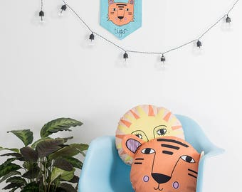 Go get em Tiger Flag, Motivational mantra, Retro Pennant Flag, Colourful Decor, Jungle Nursery, Gender neutral room, children's wall art