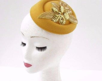Gold Mustard Yellow Sequin Pillbox Hat Hair Fascinator Races Statement Vtg 3068