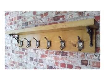 Vintage Style School Cloakroom Coat Rail with Ceramic Numbers 1-6 Cast Iron Brackets + Hooks, Rustic Pine Finish, Large Hallway Length 100cm