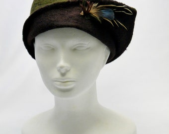 Hunting Felt Hat, Green and Brown Felted Hat, Woolen Hat with Feathers Detail, Women's Winter Hats, Unique Felting Hat