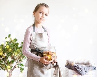 Polka dots Kids apron made of natural linen, perfect Toddler apron or cooking apron