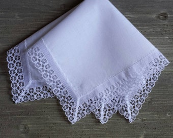 Vintage Lace Hankerchief, White Wedding Hankie, For the Bride.