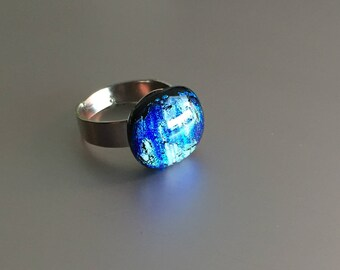 Glass ring-jewellery-woman-gift women-gift woman-exclusive glass-art-Dutch design-jewelry-fashion woman-schmuck Frau-Dichroic Glass
