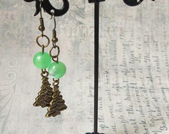 Bright green glass Xmas tree earrings bronze boho woman Lightweight winter New Year earring holiday girl festive jewelry Christmas tree gift