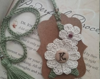 Bookmark/Crochet Bookmark/Flower Bookmark/Gift for Teacher/Gift/Teacher Appreciation/Initial/Birthday/Journal/Unique/tassel/Gift Tag