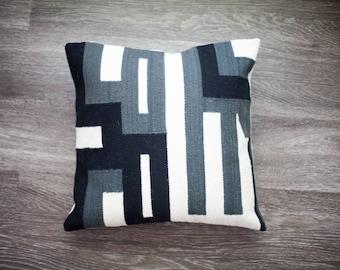 Hand woven pillow cover merino sheep wool, 16x16  peruvian pillow, modern desert style, boho geometric design, natural dyes.