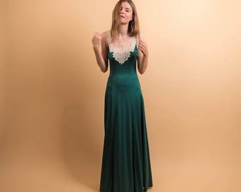 70s Boho Maxi Dress / Crochet Lace Dress / Hunter Green Dress / 70s Hippie Dress / Bohemian Dress  Δ size: S/M