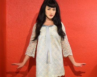 1960s White Lace Mini Dress with Blue XS Small