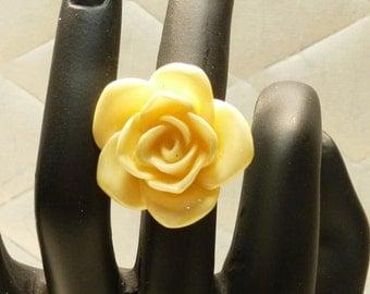Cream Rose Ring