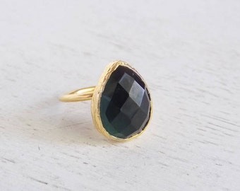 Dark Green Crystal Ring, Green Bezel Ring, Teardrop Stone Ring, Gold Crystal Ring, Gemstone Ring, Small Stone Ring, Adjustable Ring, D3-75