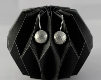 "Earring ""Multifaceted""_round_silver_Design - Upcycling"